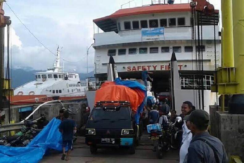 Suasana Pelabuhan Bungus saat jalani aktivitas. (Dok : Istimewa)