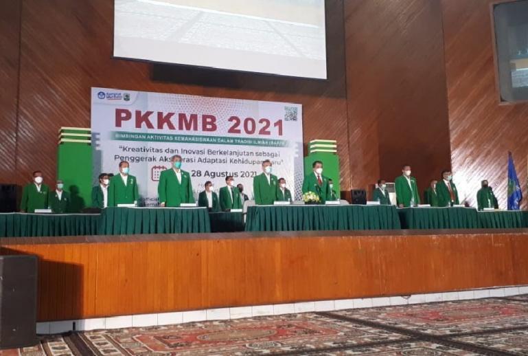 Rektor Unand, Rektor Unand, Prof Dr Yuliandri, SH, MH bersama wakil rektor lainnya membuka kegiatan PPKMB Unand 2021, Selasa (24/8). (Dok : Istimewa)