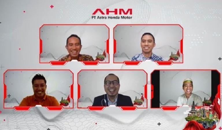 GM Corporate Communication Ahmad Muhibuddin (kiri atas) bersama para narasumber inspiratif pada talk show bertema How to Optimize Contribution to the Society, Sabtu (11/9). (Dok : Istimewa)