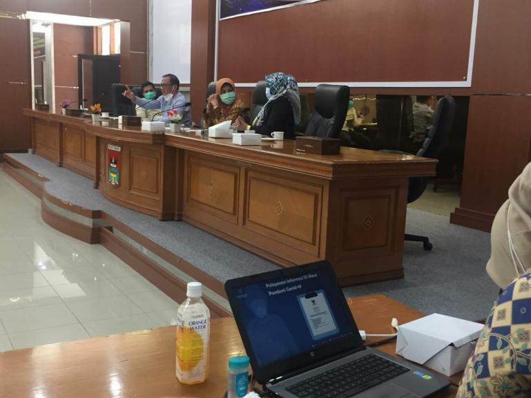 Ketua KI Pusat I Gede Narayana paparkan plus minus aplikasi Sirekap bagi keterbukaan informasi publik di Pilkada 2020, di Bukittinggi, Jumat (20/11). (Dok : Istimewa)