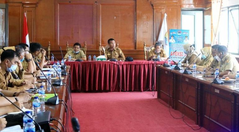 Wali Kota Genius Umar saat pimpin rapat evaluasi kinerja OPD selama tahun 2020 lalu, Senin pagi (4/1). (Dok : Istimewa)