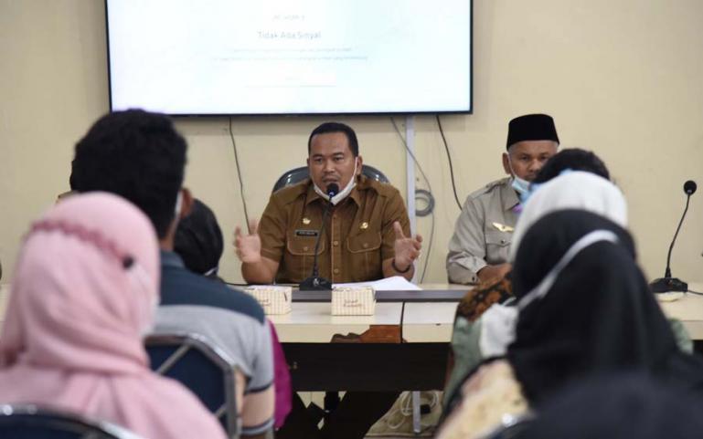 Sekko Pariaman, Yota Balad saat membuka kegiatan pembinaan dan peningkatan sumber daya manusia sejumlah Kelompok Siaga Bencana (KSB) Kota Pariaman, Selasa (22/6). (Dok : Istimewa)