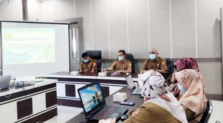 Kepala BPKB Pariaman, Buyung Lapau beri arahan pada Bimtek penyusunan laporan keuangan bagi OPD Pemko Pariaman, Senin (8/2). (Dok : Istimewa)