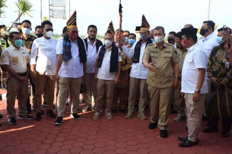 Dua petinggi Partai Gerindra Sufmi Dasco Ahmad dan Sandiaga Uno saat tiba di BIM, Kamis (12/11). (Dok : Istimewa)