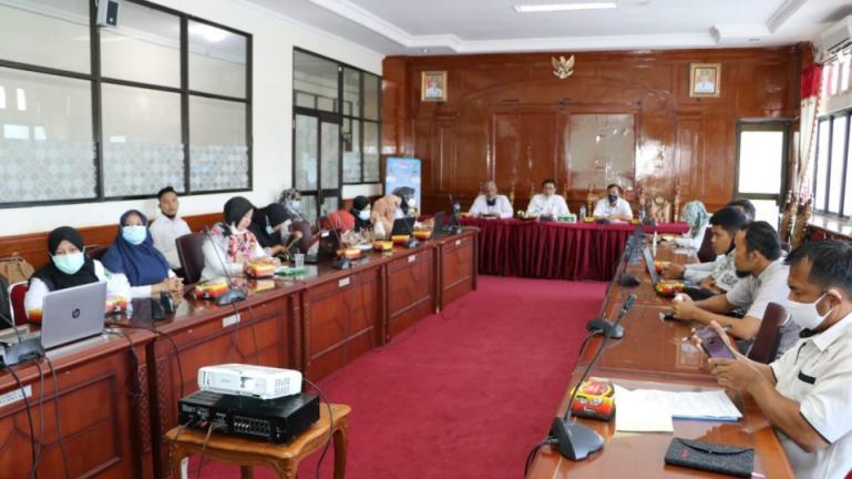 Pembinaan desa kelurahan statistik di Kota Pariaman dari Diskominfo Sumbar  di Ruang Rapat Wali Kota Pariaman Rabu (10/2). (Dok : Istimewa)