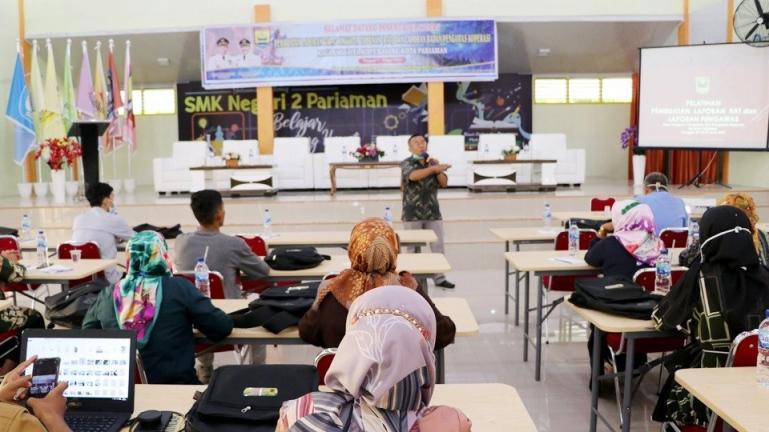 Peserta pelatihan sedang dengarkan paparan nara sumber dalam pelatihan pembuatan laporan RAT Koperasi, Rabu (7/4). (Dok : Istimewa)