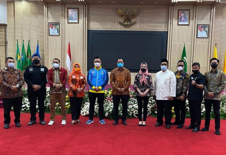 Wakil Ketua DPD RI, Mahyuddin bersama rombongan saat kunjungan ke Provinsi Banten, Kamis (9/9). (Dok : Istimewa)