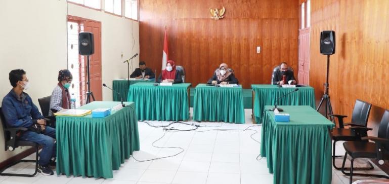 Sidang sengketa informasi antara Yayasan Leon Agusta Indonesia dengan dua Bank milik BUMN di KI Sumbar, Selasa (7/9). (Dok : Istimewa)