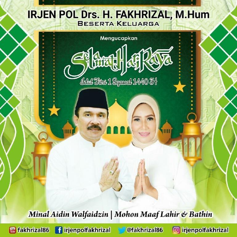 Foto : Fakhrizal dan istri ucapkan selamat Idul Fitri.
