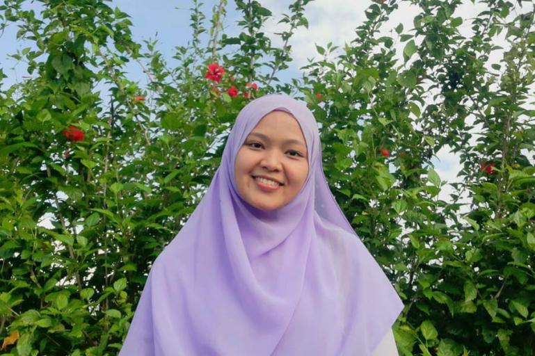 Feni Mardika, mahasiswi FTIK IAIN Batusangkar meraih sukses juara 1 MTQ Virtual Mahasiswa PAI ASEAN 2021. (Dok : Istimewa)