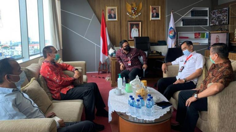 Genius Umar saat diskusi dengan Dirjen Bina Keuangan Daerah Kemendagri, Mohammad Adrian, di Jakarta, Rabu (3/2). (Dok : Istimewa)