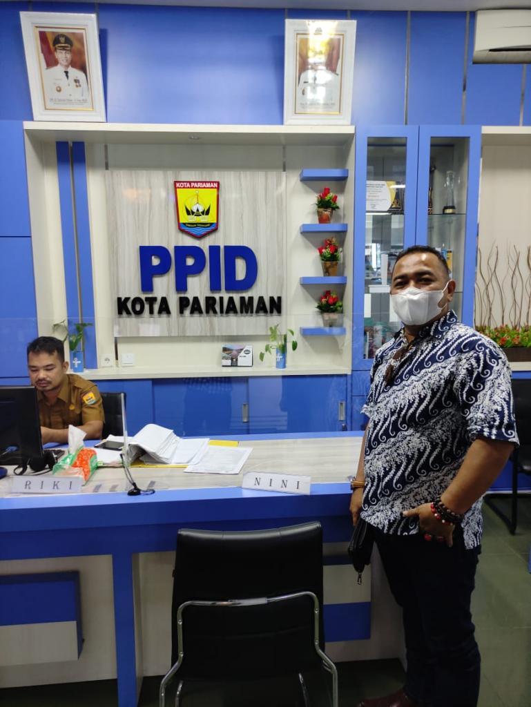 Wakil Ketua KI Sumbar, Adrian Tuswandi saat berkunjung ke Dinas Kominfo Kota Pariaman, Senin (8/2). (Dok : Istimewa)