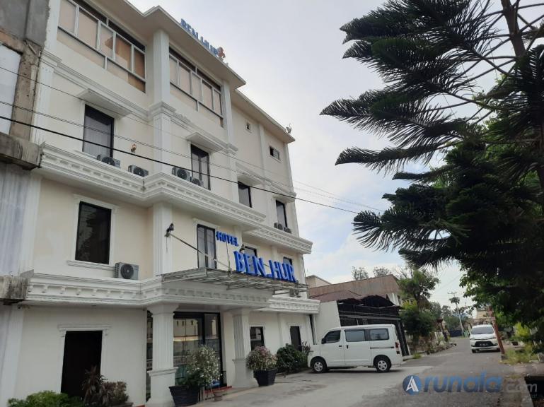 Inilah hotel pilihan baru bagi tamu yang datang ke Padang. (Foto : Amz)