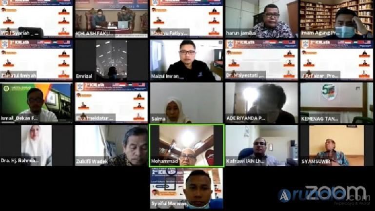 Suasana seminar internasional yang diadakan Fakultas Syariah IAIN Batusangkar, secara metting zoom, Rabu (23/6). (Dok : Istimewa)