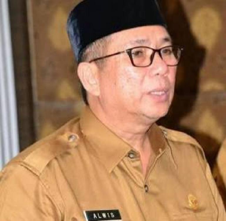 Plh Gubernur Sumbar, Alwis. (Dok : Istimewa)