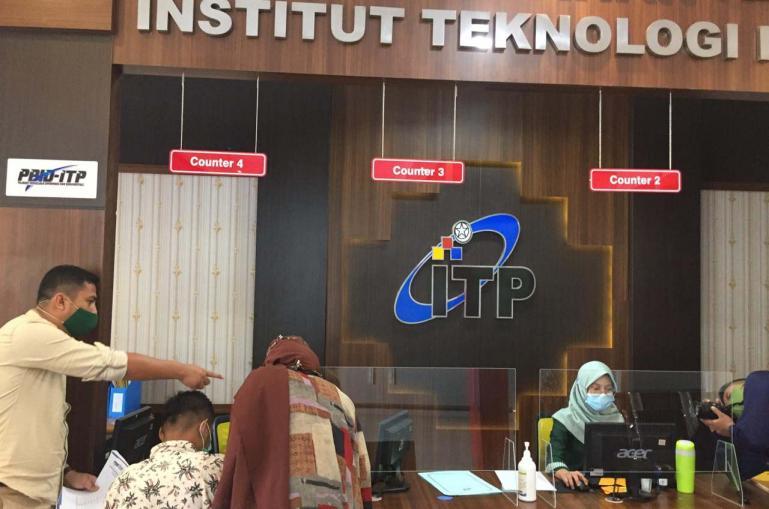 Tim visitasi KI Sumbar dipimpin langsung Nofal Wiska lakukan kunjungan ke ITP Padang, Jumat (16/10). (Dok : Istimewa)