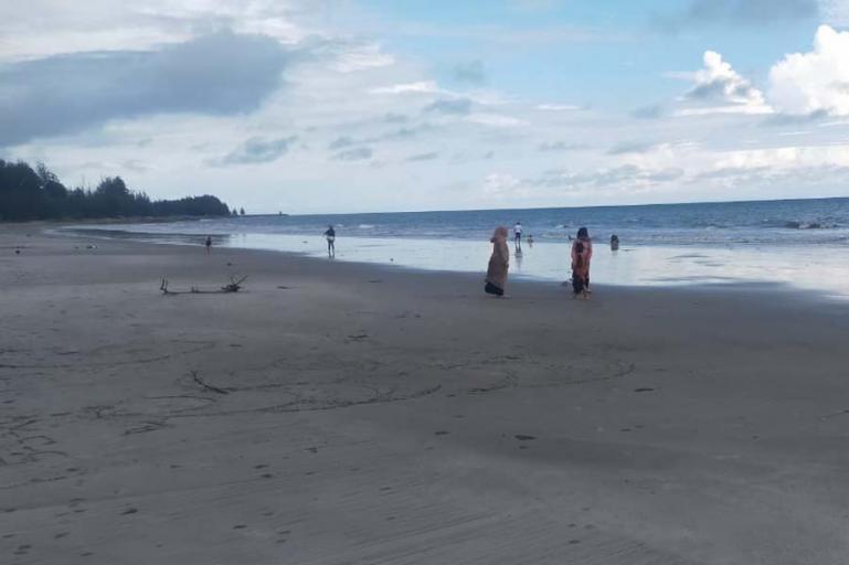 Kondisi pantai di Kota Pariaman dalam keadaan aman pasca gempabumi kuat yang mengguncang Kabupaten Nias Barat, Jumat siang (14/5). (Dok : Istimewa)