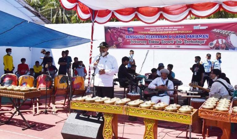 Wawako Mardison Mahyuddin saat hadiri panggung keakraban di Lapas Pariaman Klas II/B, Rabu (23/6). (Dok Istimewa)