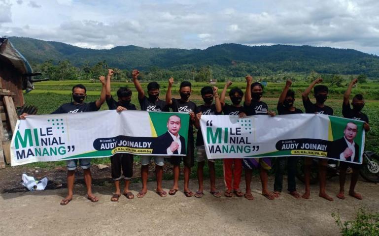 Relawan Audy di Nagari Supayang mendeklarasikan dukungan mereka bagi Audy Joinaldi untuk maju Pilgub Sumbar 2020, Rabu (24/6). (Dok : Istimewa)