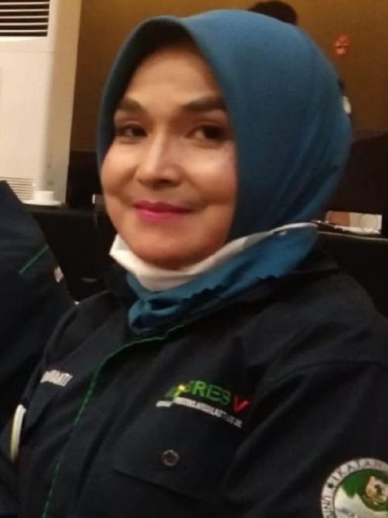 Owner sekaligus Direktur Bimbel Fokus Bandung Padang, Linda Oktavianti. (Dok : Istimewa)