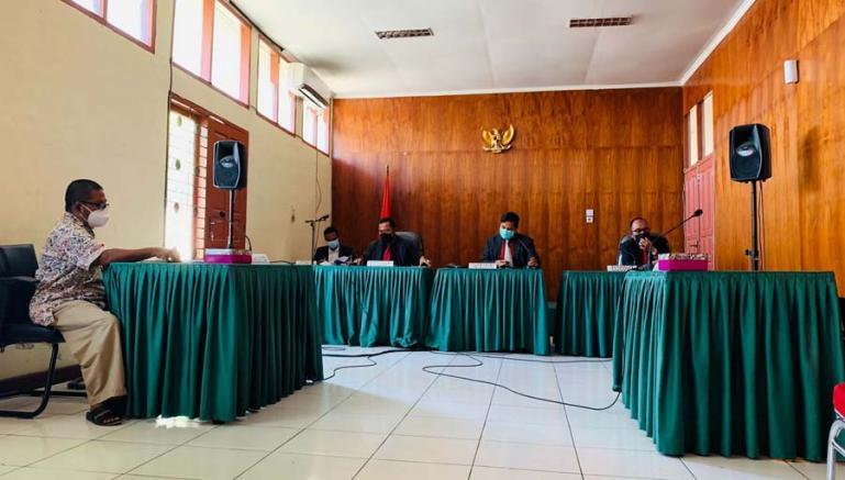 Sidang sengketa informasi dengan kuasa termohon Daniel Sutan Makmur di KI Sumbar, Rabu siang (6/10). (Dok : Istimewa)
