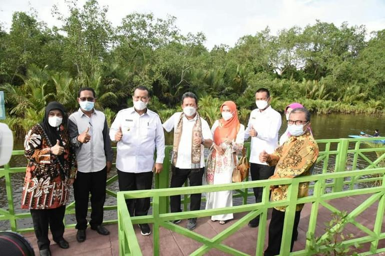 Menteri Minta Pemko Perluas Kawasan Hutan Mangrove