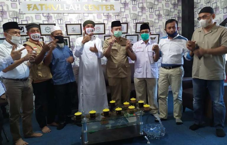 Calon Gubernur Sumbar Nasrul Abit bersama para mubalig di Fathullah Center, Ujung Gurun, Padang, Selasa (1/12). ( Dok : Istimewa)