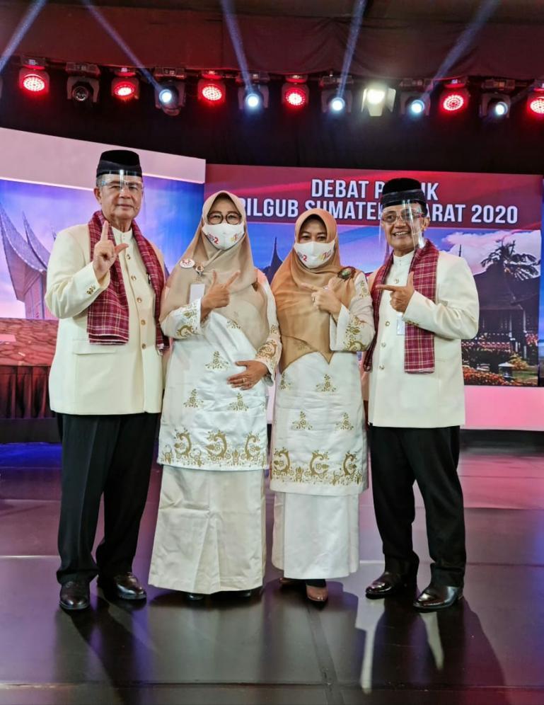 Pasangan Cagub-Cawagub Sumbar Nasrul Abit-Indra Catri saat debat publik putaran 2, di Padang, Kamis (3/12). (Dok : Istimewa)