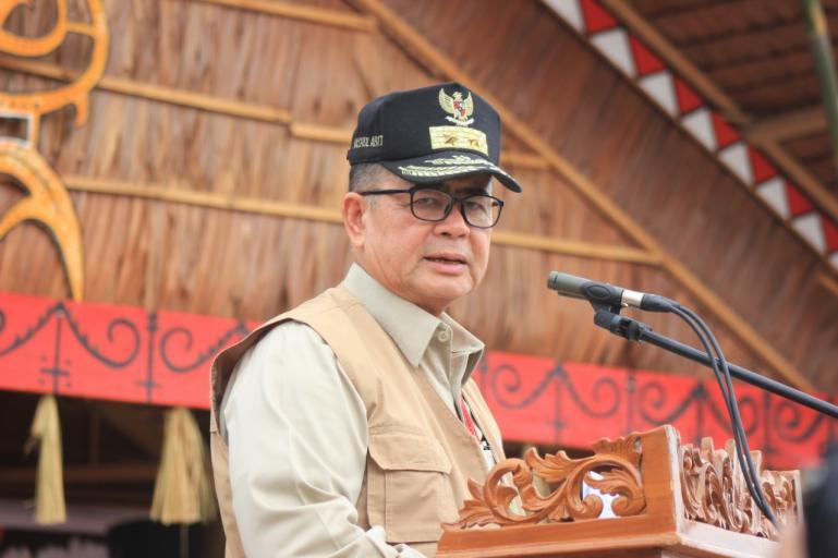 Calon Gubernur Sumbar Nasrul Abit saat berada di Mentawai beberapa waktu lalu. (Dok : Istimewa)
