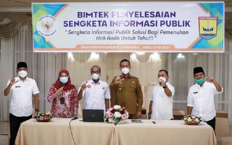 Wali Kota Pariaman, Genius Umar saat membuka Bimtek Penyelesaian Sengketa Informasi Publik di kota itu, Rabu (5/4). (Dok : Istimewa)