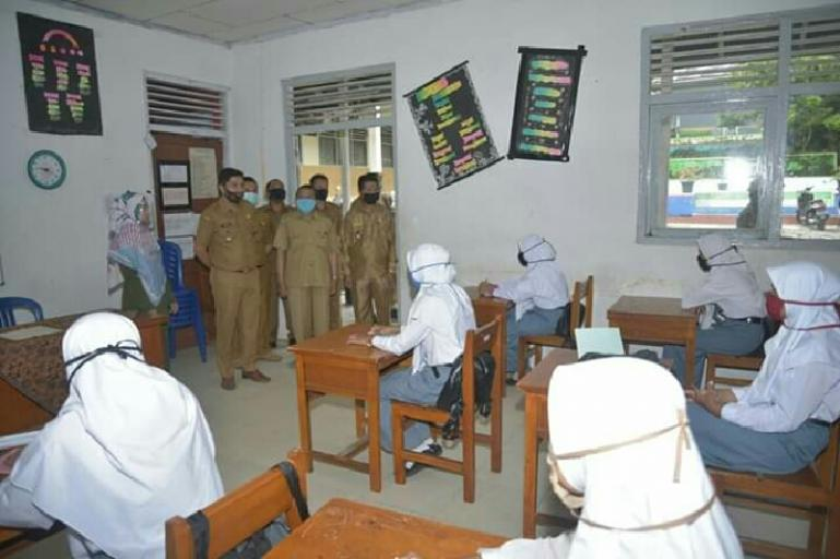 Para Guru di Sawahlunto Wajib Uji Swab