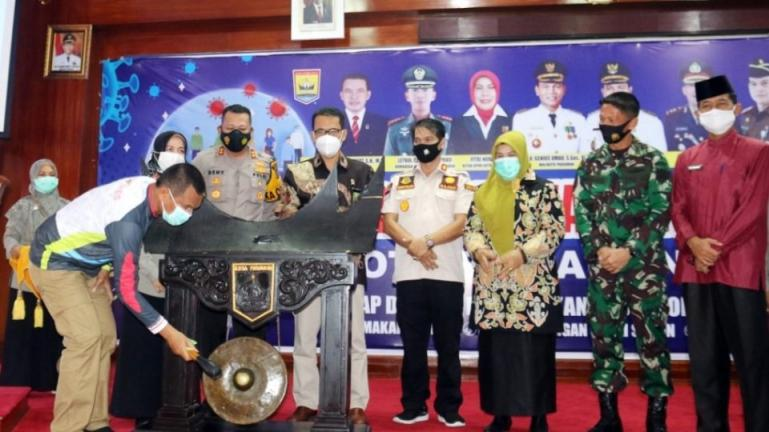 Wali Kota Genius Umar mencanangkan pelaksanaan vaksinasi Covid-19 di Kota Pariaman, , Jumat (5/2). (Dok : Istimewa)