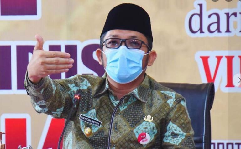 Wali Kota Padamg, Hendri Septa sebutkan Kota Padang mulai terapkan PPKM Mikro mulai Rabu (7/7). (Dok : Istimewa)