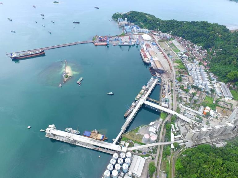 Kawasan Pelabuhan Teluk Bayur yang akan ditata secara moderen oleh pihak operator setempat. (Foto : Ist)
