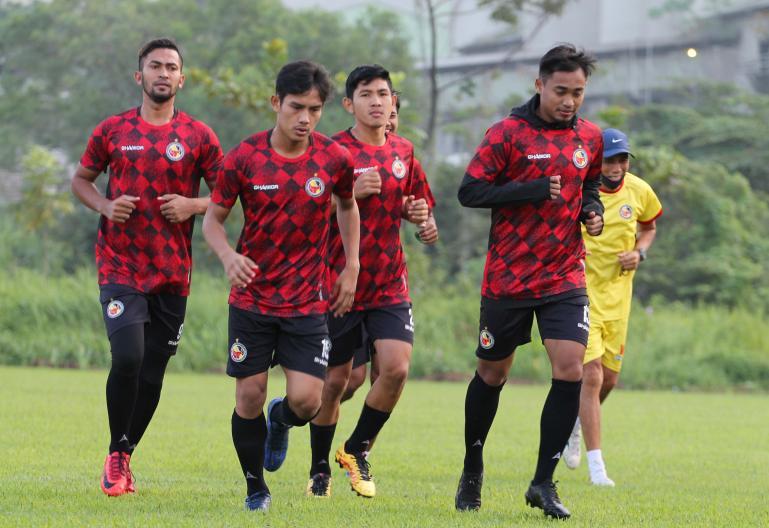 Pemain Semen Padang FC mulai latihan intensif jelang Liga 2 Indonesia di Lapangan Mess Indarung, Padang, Kamis (3/9). (Dok : Istimewa)
