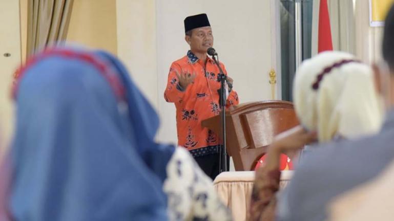 Wali Kota Pariaman, Genius Umar saat membuka bimtek pengelolaan unit pengumpul zakat (UPZ) Desa se Kecamatan Pariaman Timur, Kamis (5/8). (Dok : Istimewa)