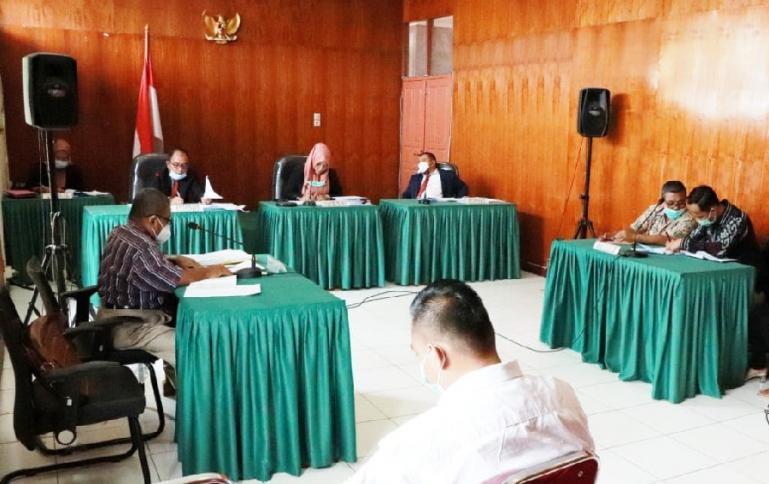 Sidang sengketa informasi yang dipimpin Tanti Endang Lestari, Kamis (15/4). (Dok : Istimewa)