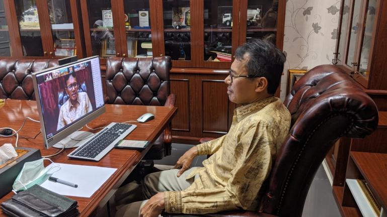 Gubernur Irwan Prayitno dalam suatu wawancara secara daring. (Dok : Istimewa)