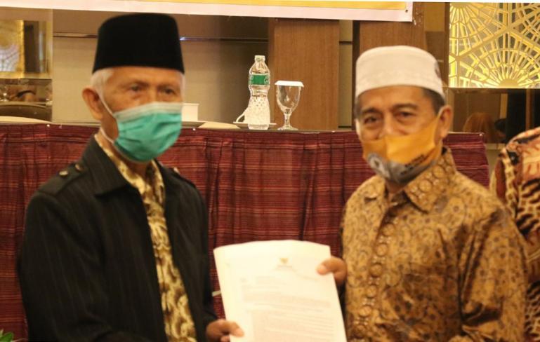 Ketua Baznas Sumbar, Syamsul Bahri Khatib seusai rakor bersama Baznaz se kabupaten kota di Hotel Axana, Kamis (26/11). (Dok : Istimewa)