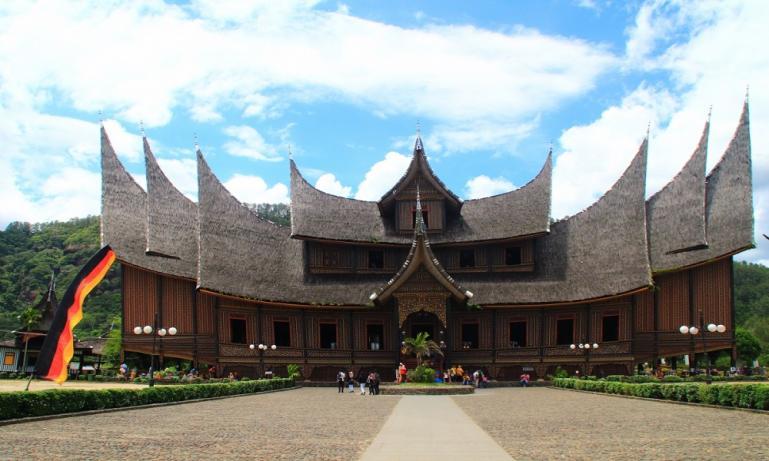 Objek wisata budaya Istano Basa Pagaruyuang, Batu Sangkar, Kabupaten Tanah Datar. (Dok : Istimewa)