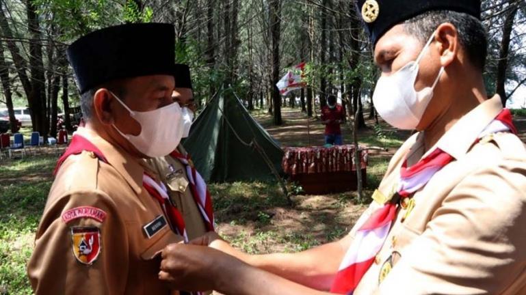 Ketua Majelis Pembimbing Cabang Kwarcab 16 Kota Pariaman, Genius Umar melantik pengurus Kwarcab periode 2019--2024, Sabtu (14/8). (Dok : Istimewa).
