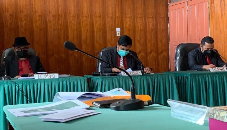Majelis sidang sengketa informasi soal KRK yang berlangsung Rabu pagi (6/10). (Dok : Istimewa)