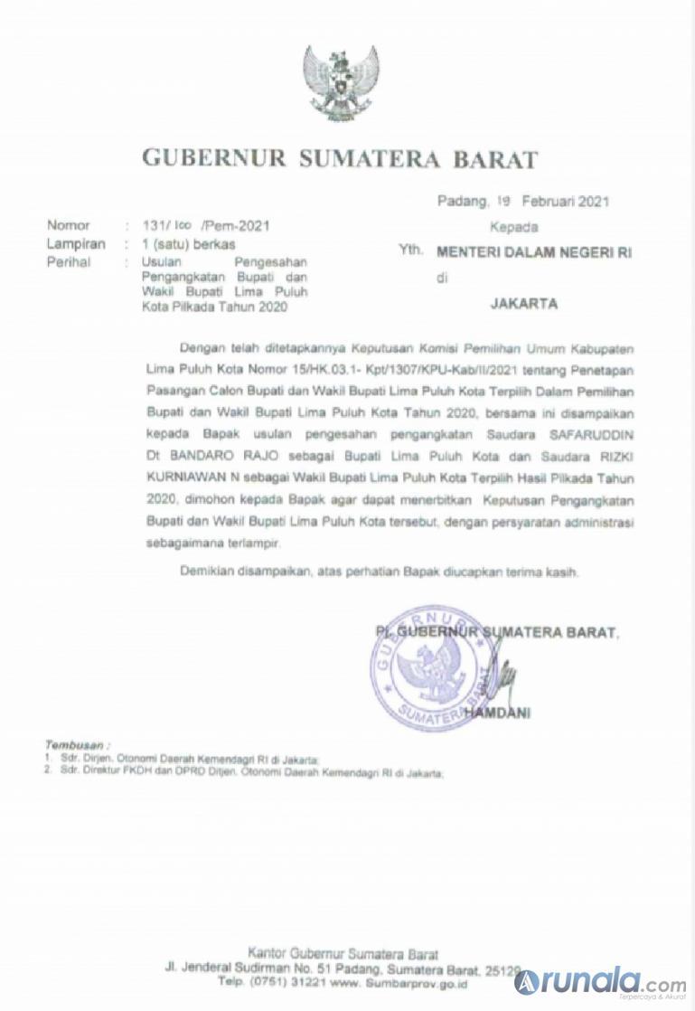 Salah satu surat usulan pelantikan bupati terpilih yang ditandatangani Pj Gubernur Sumbar Hamdani, Jumat (19/2). (Dok : Istimewa)