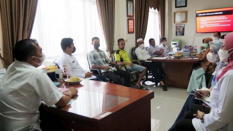 Pengurus Pokdarwis Apar saat audensi dengan Kadis Pariwisata dan kebudayaan (Disparbud) Pariaman, Dwi Marhen Yono, Rabu (18/8). (Dok : Istimewa)