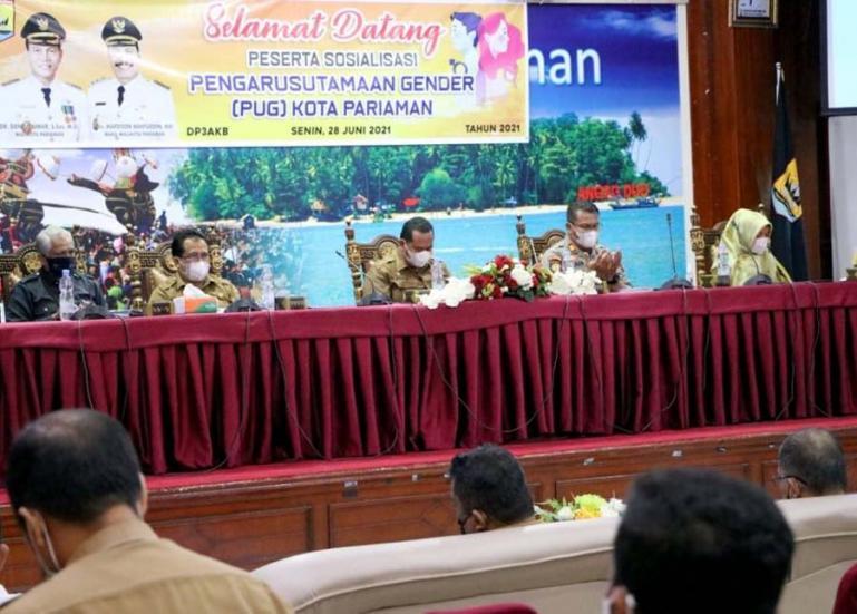 Sekko Pariaman, Yota Balad saat menghadiri sosialiasi PUG yang dilaksanakan DP3AKB Pariaman, Senin (28/6). (Dok : Istimewa)