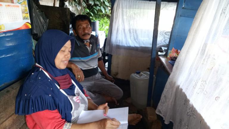 Ris Antoni, ibu rumah tangga yang mengundurkan diri sebagai penerima bantuan PKH, Jumat (28/8). (Dok : Istimewa)