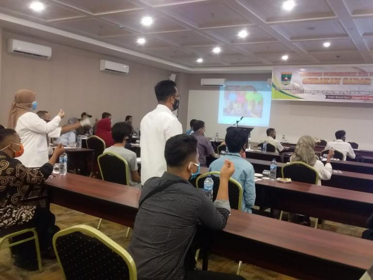 Pengiat dan pengelola wisata di Pessel ikuti pelatihan kepariwisataan di Hotel Grand Zuri Padang, Rabu (26/8).(Foto : Snm)
