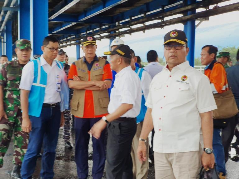 Kepala BNPB Letjen TNI Doni Monardo bersama Menko PMK Muhadjir Effendy akan mengecek lokasi observasi bagi 69 WNI di Pulau Seberu Kecil, Minggu siang (1/3). (Foto : Istimewa)