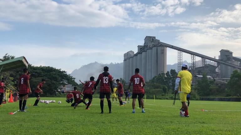 Tim Semen Padang FC saat gelar latihan tertutup di Lapangan Mess Indarung. (Dok : Istimewa)