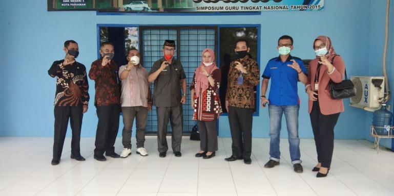 Tim visitasi KI Sumbar saat kunjungi SMK 3 Pariaman, Kamis (15/10). (Dok : Istimewa)